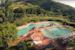 Vista dall'alto delle piscine del verde, in tutta la sua bellissima vastità, che le circonda