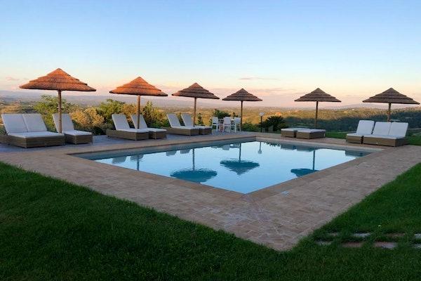 Pool with panoramic views of the San Gimignano countryside